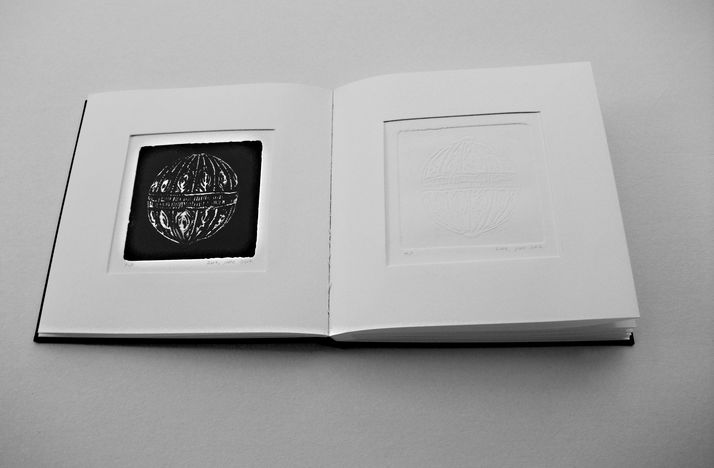 book A 11 engraving book - etching & embossed of  beads that left there